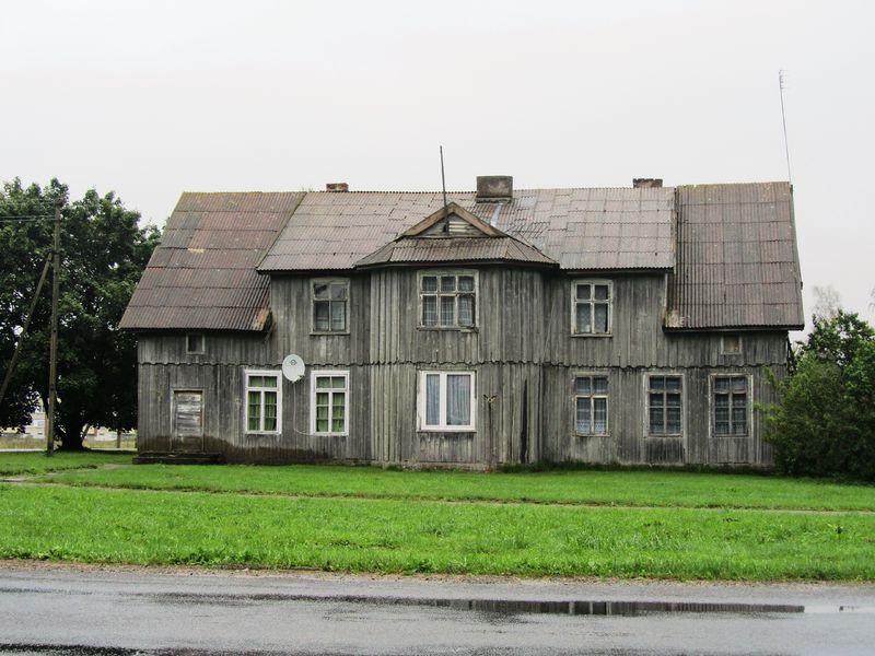 Altes Haus in Mädewald an der Straßenkreuzung (2012